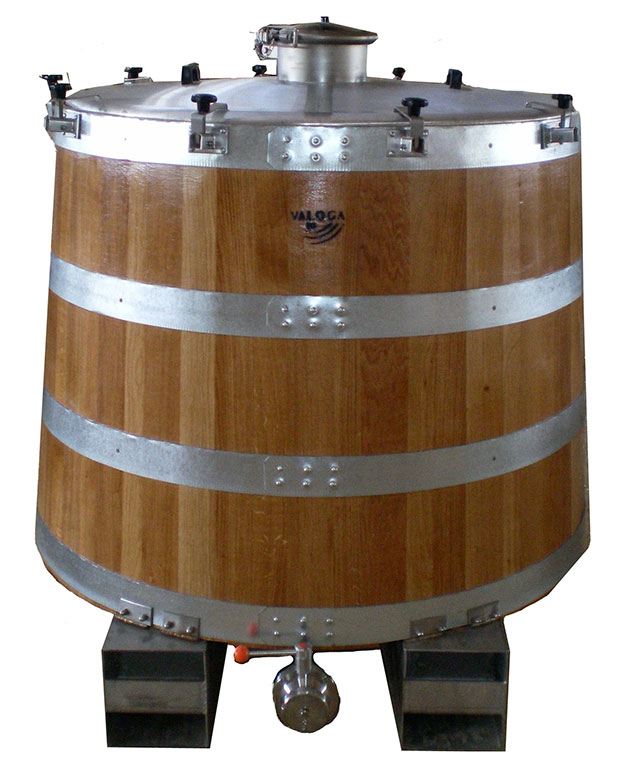 Open wine fermentor