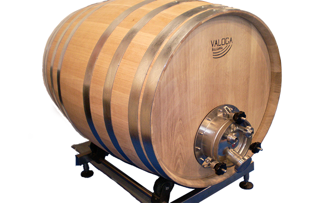 Oak barrels 225 and 500 Liters with TCS